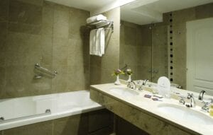Cacique Inacayal Lake Spa Hotel toalete