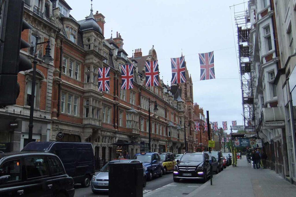 Onde está localizada a cidade de Londres?