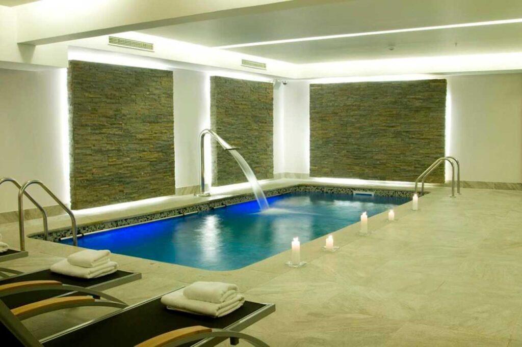 Encontre os melhores hotéis em Santiago no ElQuarto!